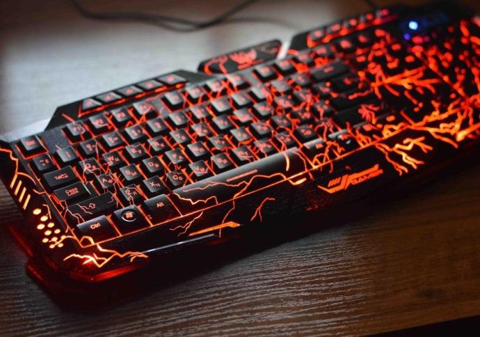 Красивая клавиатура с подсветкой