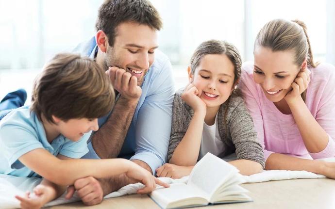 Выплаты семьям со школьниками в 2021 году